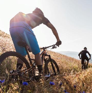 Hasta 20% de descuento en productos seleccionados pagando con Visa en Specialized. - 20% en todos los accesorios Specialized. - 15% en bicicletas de ruta modelos hasta el año 2016. - 10% de descuento en bicicletas de montaña modelos hasta el año 2016.