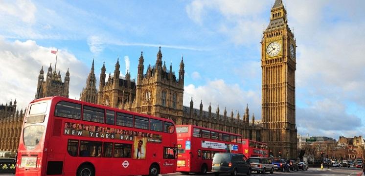 Enjoy 5 days London and Paris tour with an expert guide.