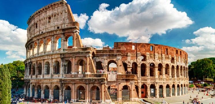 Recorra las ciudades principales de Italia con guía local en español durante todo el recorrido.