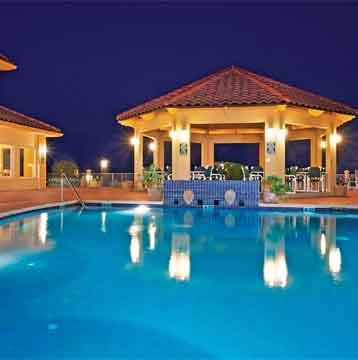 Ahorre un 10% en cualquier hotel de La Quinta Inns & Suites.