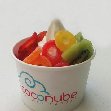Disfruta de lunes a miércoles entre las 6:00pm y la hora de cierre del local de descuentos especiales pagando con Visa en COCONUBE Frozen Yogurt.