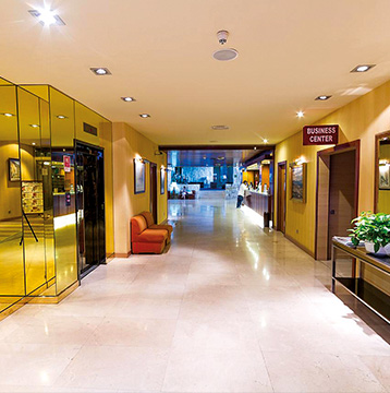 Welcome to Hotel City House Florida Norte Madrid, a 4-star hotel in downtown Madrid.