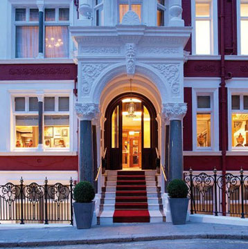 Visit London and enjoy a 20% discount with Visa at the St. James Hotel and Club Mayfair.